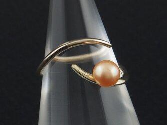 自由な曲線に淡水真珠の指輪 18Rの画像