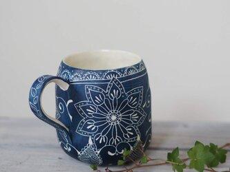 青いマグカップ2の画像