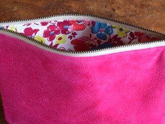 中がかわいい柄ポーチL ピンクの画像