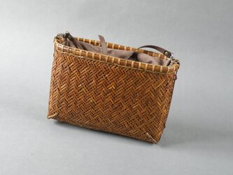 竹籠バッグ かごバッグ 網代編み 煤竹 千島笹 ショルダーバッグ クラッチバッグの画像