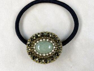 天然石とビーズ刺繍のヘアゴム  ビルマ翡翠(ジェイダイト)3の画像