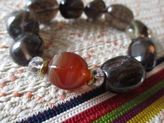開光 瑪瑙珠と煙水晶のブレスレットの画像