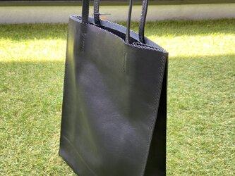 紙袋風レザーバッグ A4サイズの画像