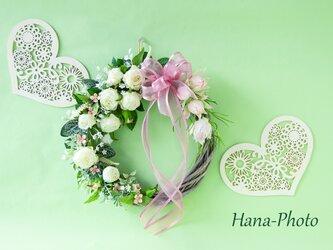 大サイズ  セルリアと白バラのドレスのような贅沢リース (リース台:直径約25㎝) の画像