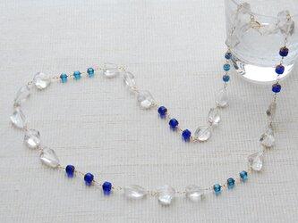 水晶とチェコビーズの青の夏ネックレス14kgfの画像