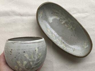 *福袋 粉ひき楕円鉢とカフェオレボウル(ミモザ柄)の画像