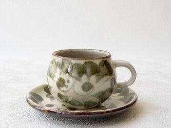 やちむん カップ&ソーサー 菊紋 - 緑(山城窯)の画像