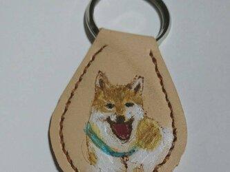 可愛い柴犬のキーホルダーの画像