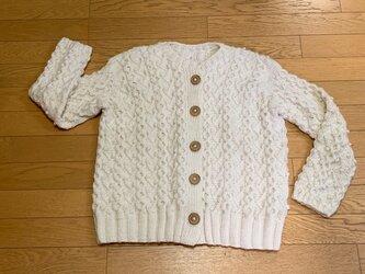 しっかり厚め-手編み☆ アイボリーのアラン模様カーディガンの画像
