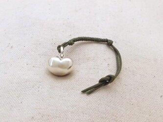 銀製の鈴 『 ハートの実 』 (シルバー925) 根付・バッグチャームの画像