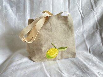 レモンのショルダーバッグの画像