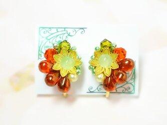 花ドロップイヤリング*Orange&Greenの画像