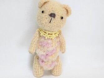 クマさんの編みぐるみの画像