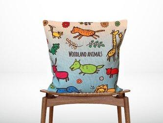 森のクッション Woodland colorful animals  ヒノキの香りの画像