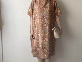 着物リメイクワンピース 梅と椿の画像