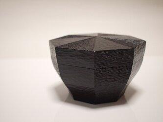 八角鱗紋様箱の画像