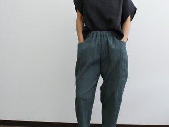 夏におすすめ!洗濯機で洗えて、アイロンいらず、シンプルパンツ(深緑)の画像