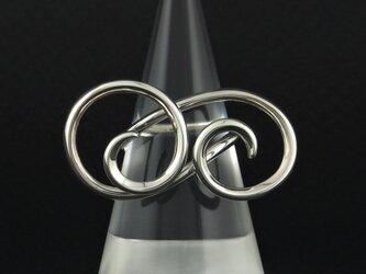 自由な曲線の指輪 74Rの画像