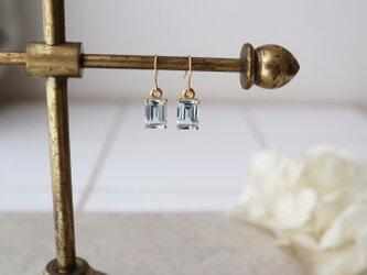 【K18】宝石質スカイブルートパーズの一粒ピアス(レクタングルカット)*11月誕生石の画像