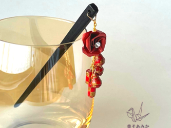 【送料無料】かんざし 揺れる 普段使い ハンドメイド 日本伝統 折り紙 撥水仕上げ 職人技 赤 プレゼント 夏祭り【薔薇】の画像
