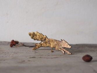 狐のブローチの画像