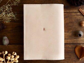 「読書がしたくなる」ヌメ革のソフトカバー単行本ブックカバーの画像