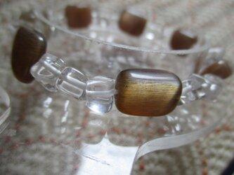 ブラウンラブラドライトと古いラフカット水晶のブレスレットの画像