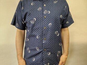 半袖和柄ムラ糸シャツ(絣柄におかめひょっとこ)の画像