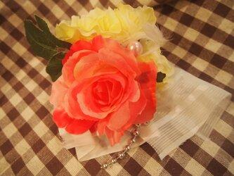 送料無料バラの髪飾りの画像