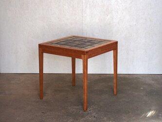 タイルトップテーブルの画像