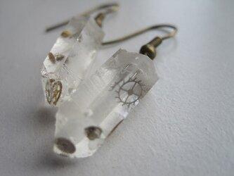 歯車水晶ピアスの画像