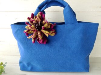 国産帆布のトートバッグ *フラワーコサージュ(2色から選択)*ロイヤルブルー* 受注製作の画像