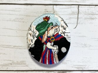 手刺繍ブローチ*河鍋暁斎「伊蘇普物語之内 畜犬と狼の話」の犬の画像