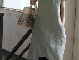 【夏NEW】LINEN*フレンチスリーブV襟ワンピース の画像