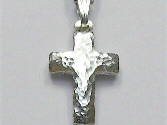 シンプルなラテン十字架 膨らみのある小さな小さなラテン十字架 <槌目光沢仕上げ> cc63 新作ですの画像
