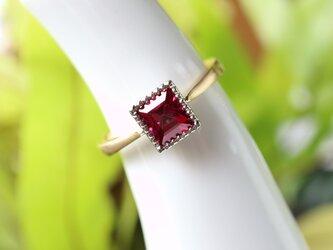 レッドスピネル指輪の画像