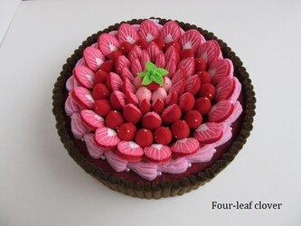 《直径18㎝》ブランチケーキ(ビター×いちごクリーム)の画像