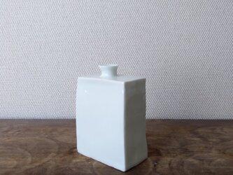 白磁 角瓶の画像