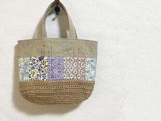 花模様のパッチワーク+麻糸編みかばんの画像