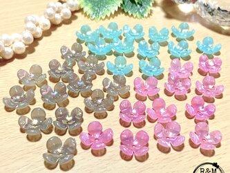 【091】フラワービーズ 4花弁 花ビーズ オーロラ 3色 36個の画像