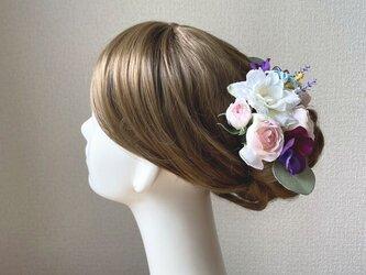 ピンクの薔薇とパンジーのヘッドドレス パープル ミモザ ナチュラル アーティフィシャルフラワー 髪飾り 成人式 ヘッドドレス の画像