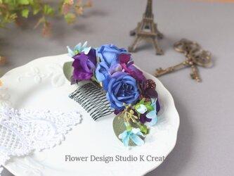 パンジーと青い薔薇のコーム 紫 バイオレット パンジー ブルースター バラ 結婚式 髪飾り ウェディングの画像