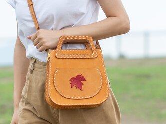 【楓の葉】2 Way トートバッグ 本革 ショルダーバッグ クラシックサドルバッグの画像