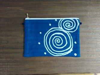 藍染めポーチ<うずまき>の画像