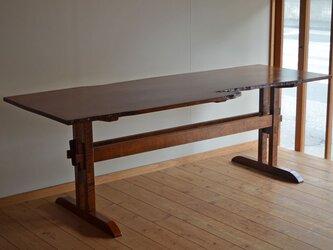 山桜の薄板テーブルの画像