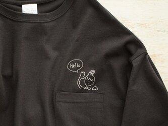 ポケットからHello! Tシャツ(ブラック)の画像