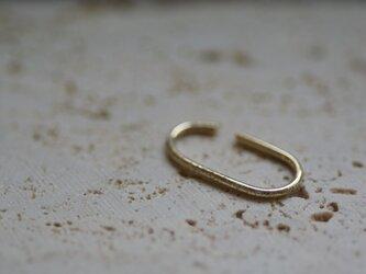 【one+】 10K oval earcuff 1の画像