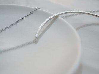 crescent〜シルバーネックレスの画像
