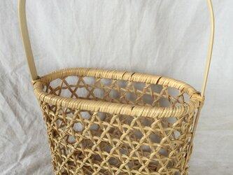 巻き六目編み小さな竹かごの画像