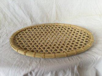 鉄線編みパンかご(表皮付き)の画像